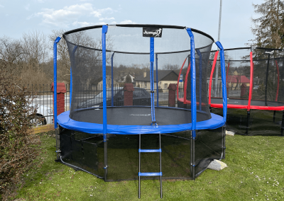 trampoliny Jumpi niebieska
